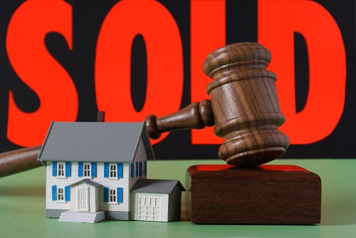 How To Buy A House At An Auction